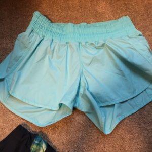 Lululemon 12 shorts